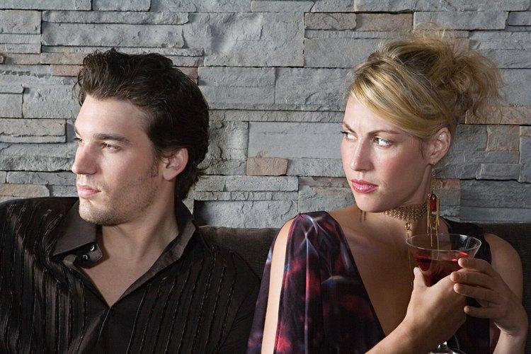 Las relaciones extra-maritales son relaciones tabú que pueden dañar a múltiples partes.
