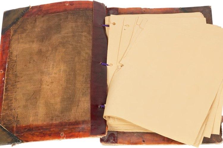 Dale al papel un aspecto antiguo usando simples ingredientes que tienes en tu casa.