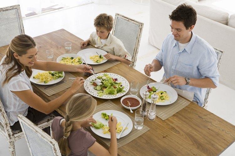 Invita a tu hijo a participar en la toma de decisiones de la familia.