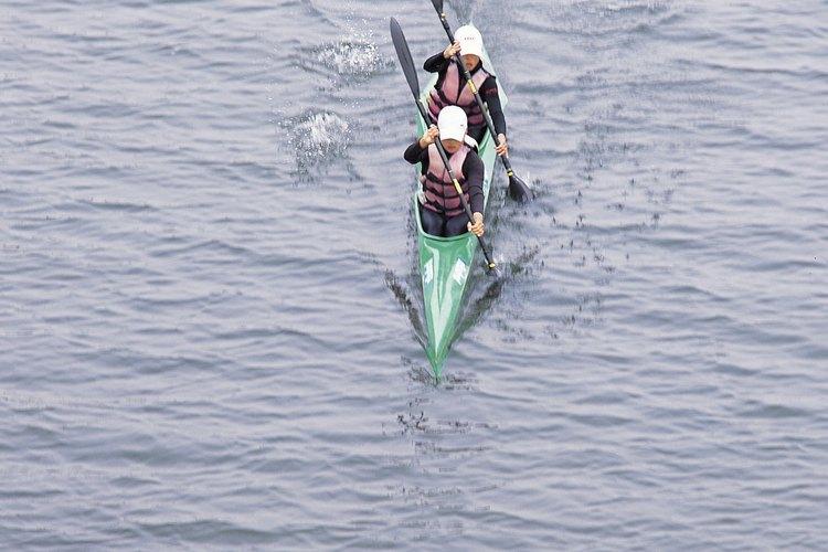 El norte de Georgia ofrece opciones para navegar en kayak, desde lagos tranquilos hasta aguas bravas.