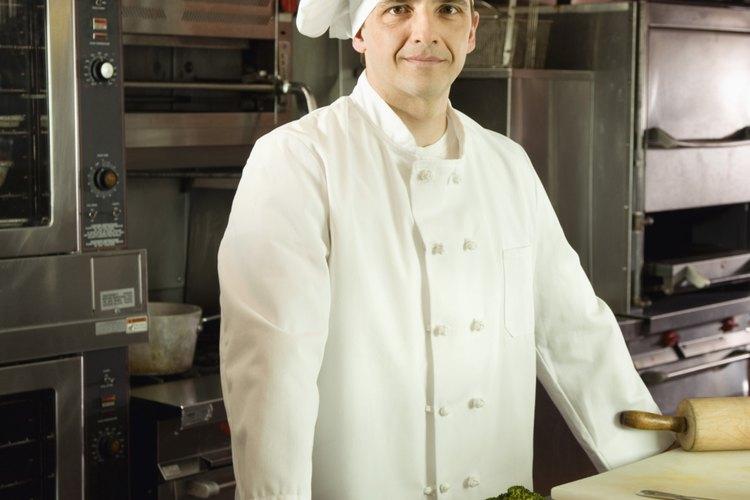 Mantener el uniforme de un cocinero limpio requiere algunos cuidados.