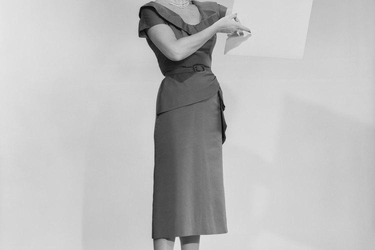 En la década de 1950, las mujeres en general, permanecieron en la casa o trabajaron en sectores como la educación y la enfermería.
