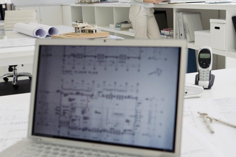 A pesar de la tecnología, todavía hay muchos documentos y correspondencia que requieren la atención y seguimiento de una asistente.