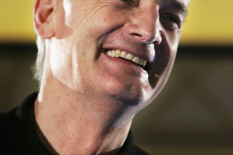 James Dyson comercializa sus aspiradoras sobre la base de que no pierden succión a medida que el depósito de polvo se llena.
