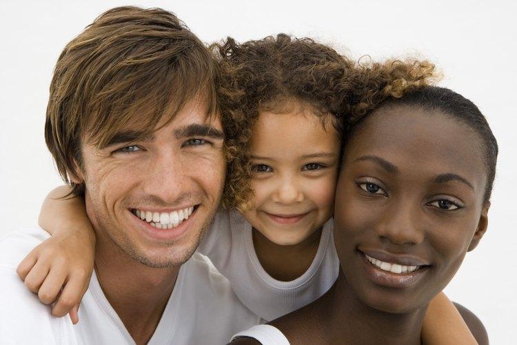 Quizás no pienses en la estructura familiar mientras crías a tus hijos de manera tradicional.