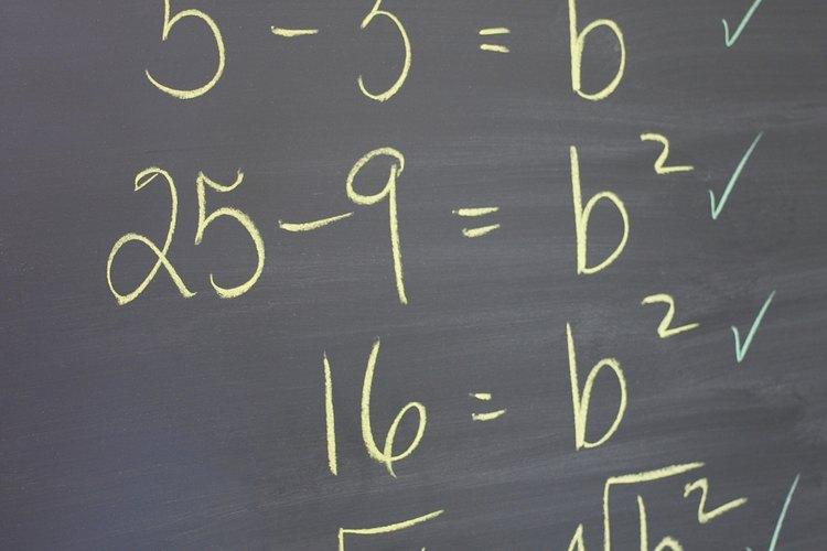 Multiplicar un par de conjugados da como resultado una diferencia de dos cuadrados.