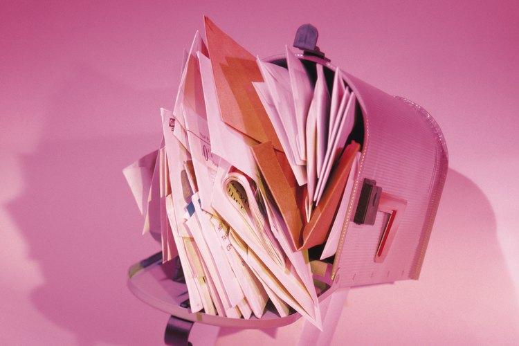 Todas las cartas se envían por servicios de primera clase.