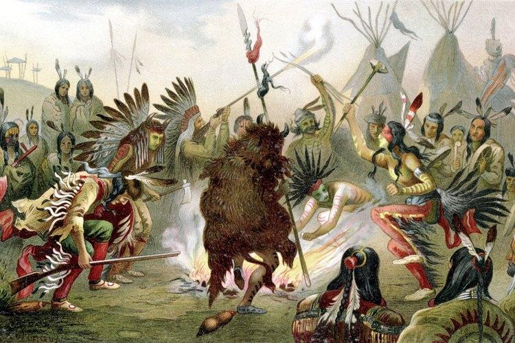 Una danza de guerra de indios sioux practicada por las tribus antes de la batalla.