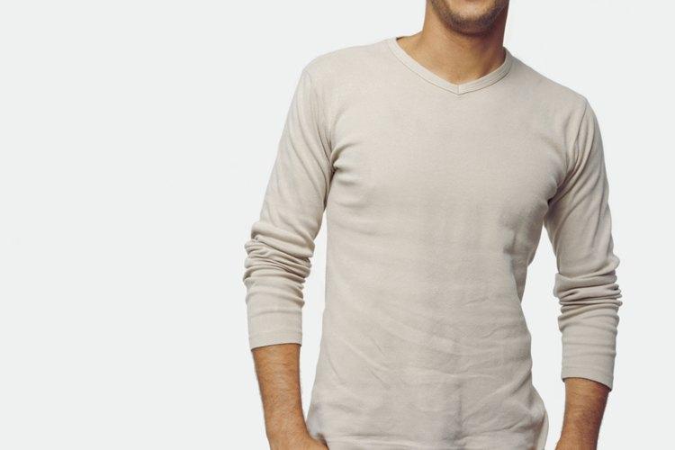 Elige vestimenta hecha de fibras naturales a la hora de usar una chaqueta de lino.