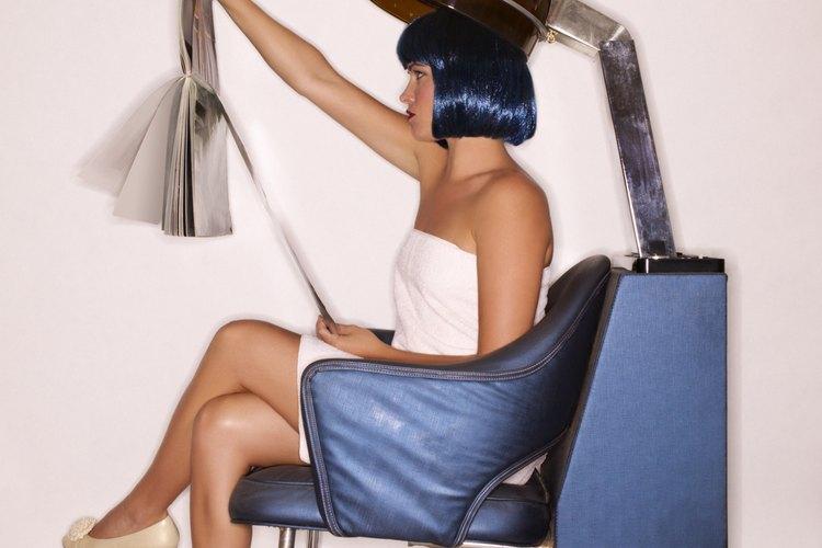 Con el cuidado y mantenimiento correcto el cabello sintético puede lucir fresco y libre de nudos.