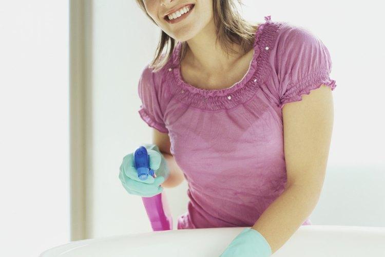 Aborda la limpieza de residuos de jabón sin esfuerzo.
