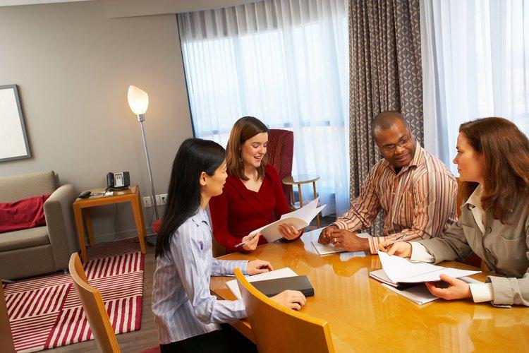 Si vendes diferentes tipos de seguros, ofrece a tus clientes un análisis de las políticas anuales.