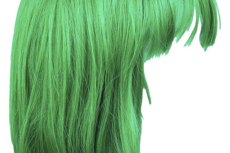 Tiñe tu pelo verde.