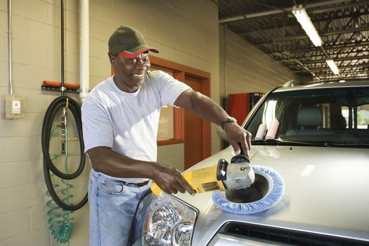 El salario de un lavador de autos crece si se convierte en un supervisor.