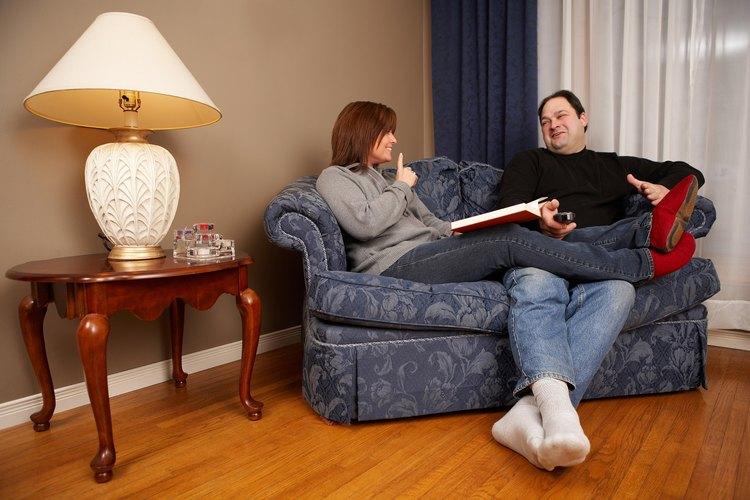 Un sofá es más largo que un sofá de dos cuerpos.