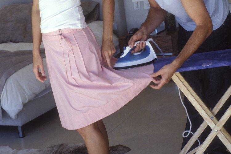 Toma medidas preventivas con tu ropa de modo que no tengas que plancharla.