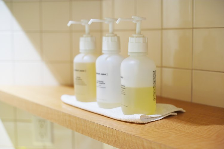 Los aceites son muy benéficos para el cabello, es por eso que muchos productos los incluyen en sus fórmulas.