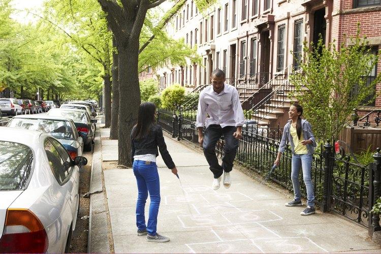 Ayuda a que tu esposo se involucre en la vida de tu hija con algunas actividades entre padre e hija.