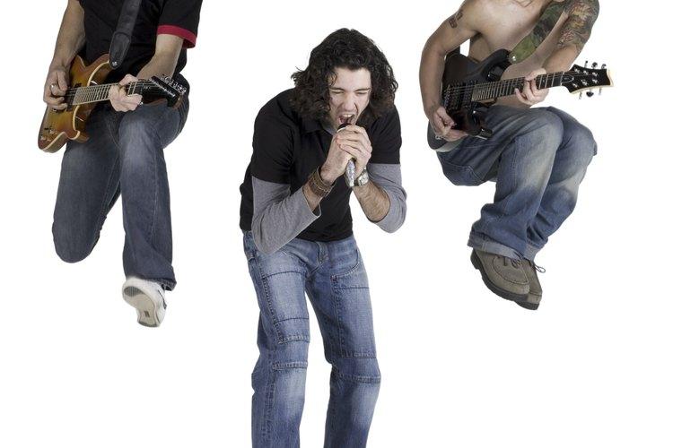 Ganarse la vida como cantante no siempre es fácil, y los candidatos deben decidir si tienen el talento y las conexiones adecuadas para hacerlo.