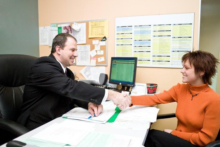 Los subdirectores de las escuelas tienen un rango de responsabilidades, tanto en el salón de clase como afuera.