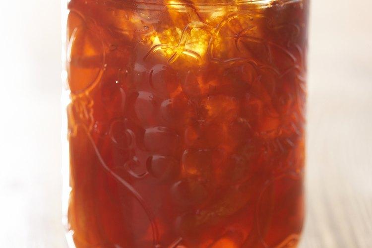 La mermelada de naranja es una gran manera de preservar naranjas y utilizarlas después.