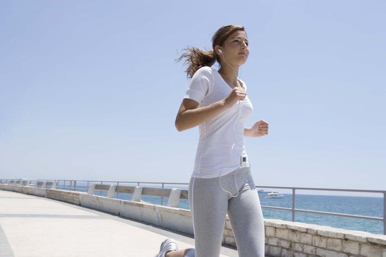 El fomentar el hábito de correr mientras se es joven puede tener beneficios que durarán hasta la vida adulta.
