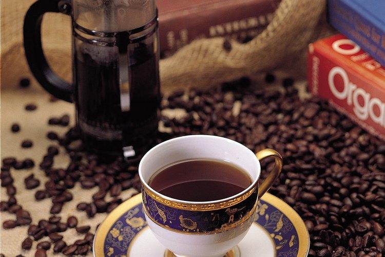 Las máquinas para hacer café de filtro y las de café expresso difieren.