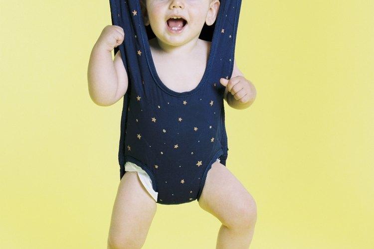 Los fabricantes dicen que los saltadores ayudan al ejercicio del bebé, pero algunos son más seguros que otros.