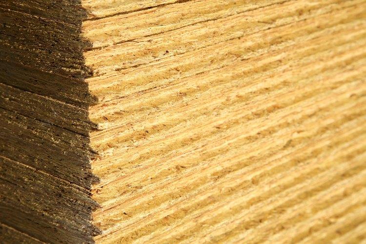 Aplica una pequeña cantidad de compuesto de pulido con un paño suave para producir un acabado brillante.