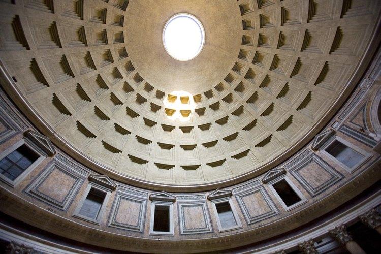 El occulus en la cúpula es la fuente principal de luz del Panteón.