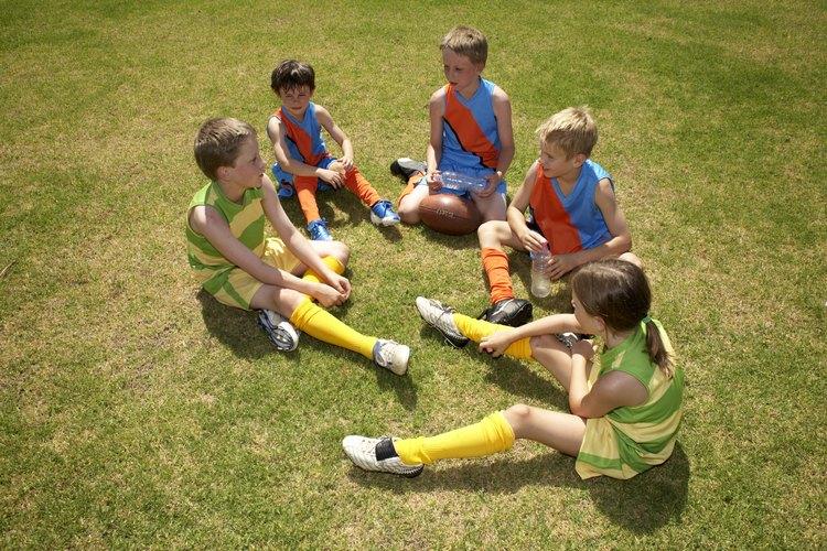 Los juegos les enseñan a los niños en edad preescolar acerca de cómo utilizar su sentido auditivo.