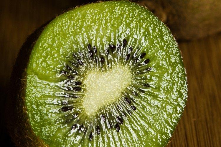 Las semillas en este kiwi parecen ser infinitas.