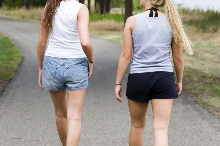 Cuando los adolescentes se ejercitan, comen bien y tiene apoyo social, las tensiones disminuyen.