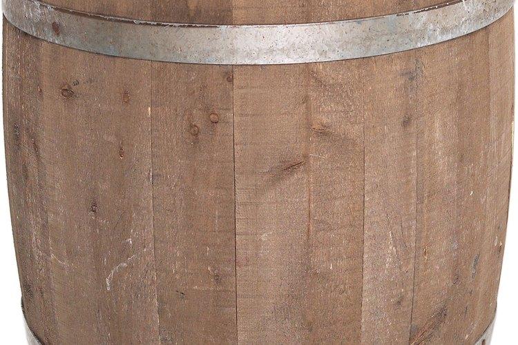 Los barriles de madera a medida son una opción atractiva para almacenar grandes cantidades de cerveza.