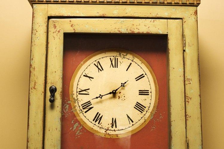 Soluciona el péndulo en tu reloj de bronce con unos simples ajustes.
