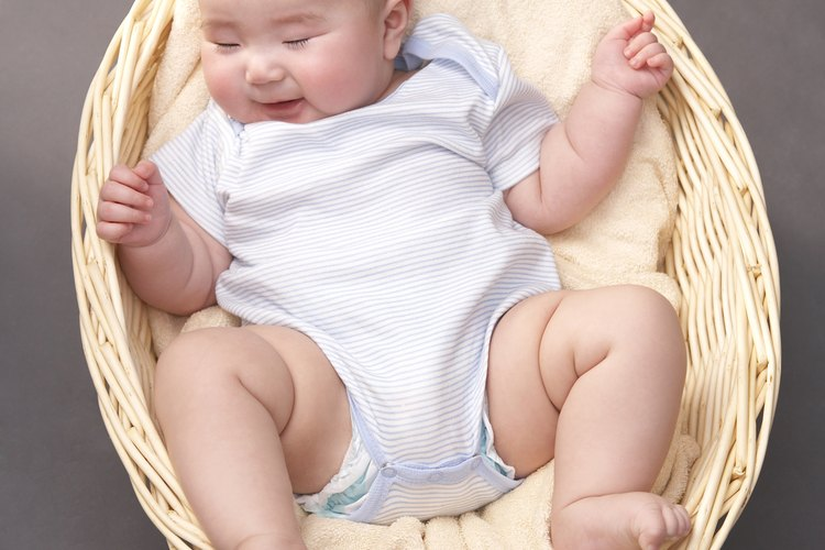 Los enterizos no pueden faltar en el armario de tu bebé.