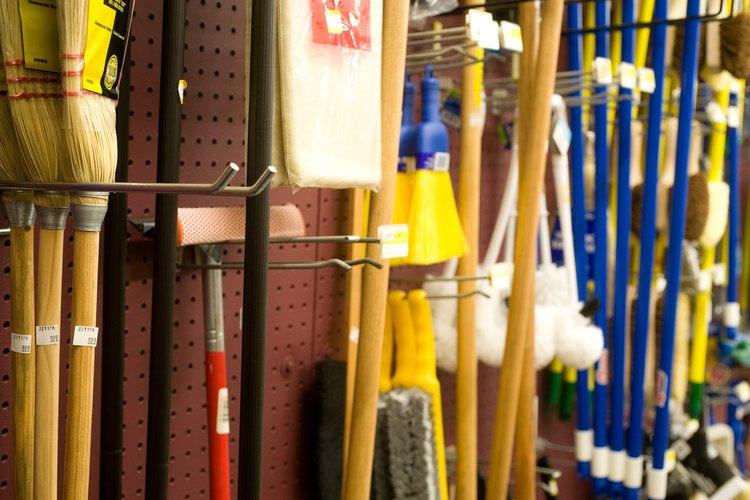 Si un aparcamiento, el horario de la tienda o el diseño de la tienda son factores negativos, determina lo que puedes hacer para mejorar en estas áreas.