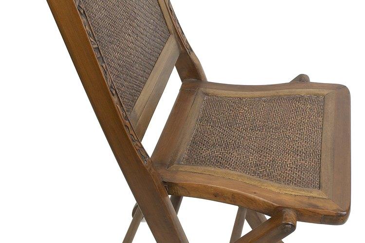 La mayoría de las sillas de rejillas están hechas de ratán o mimbre.