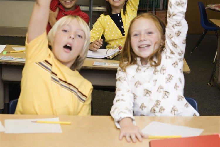Los alumnos disfrutan adivinando el adverbio correcto.