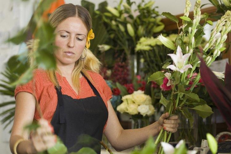 Las floristas deben ser capaces de vender, almacenar y comercializar las flores por encima de crear arreglos.