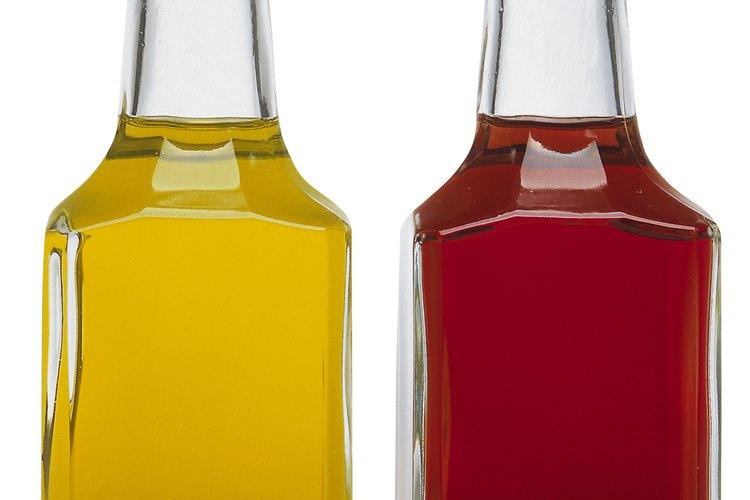 Puedes usar vinagre para mejorar la salud del cabello y de tu piel.