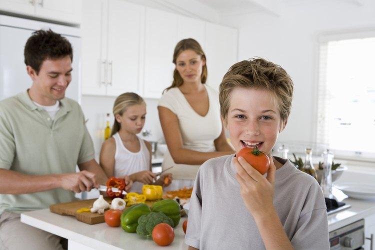 Las conversaciones iniciales sobre la digestión ayudará a los niños a desarrollar buenos hábitos alimenticios.