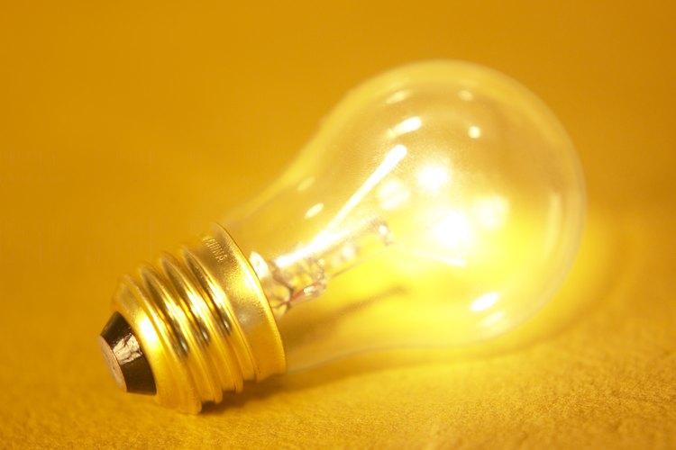 Las bombillas de luz amarilla para insectos por lo general son opacas y lucen como ésta.