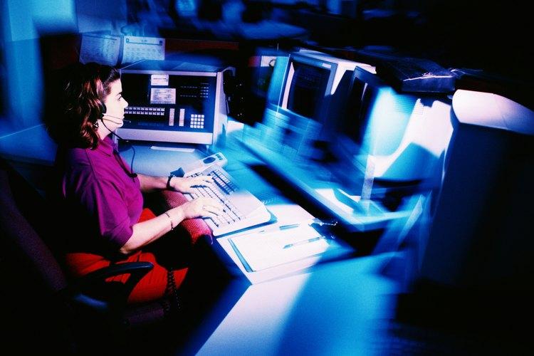 Los despachadores deben tener entrenamiento en el área de comunicaciones y manejo de situaciones de riesgo.