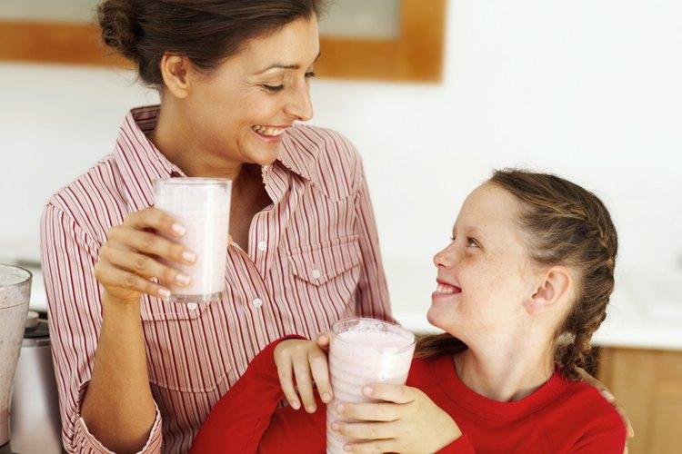 Prepara un delicioso batido para tu hijo, que sea más nutritivo de lo que él piensa.