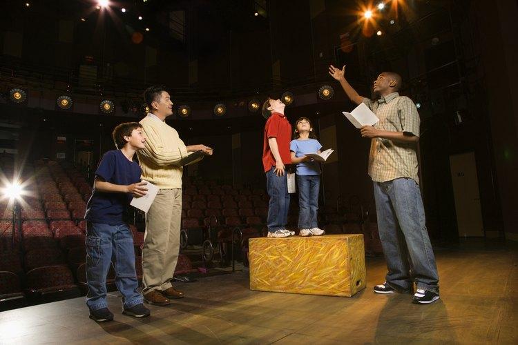 Una obra de teatro es una estupenda idea para un espectáculo navideño.