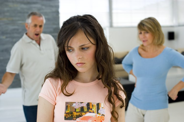 La comunicación pobre puede alienar a tu hijo adolescente.