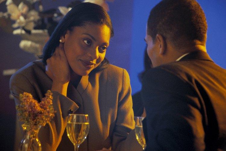 Salir con un hombre que está recién divorciado requiere ciertamente piel gruesa y trabajo duro.