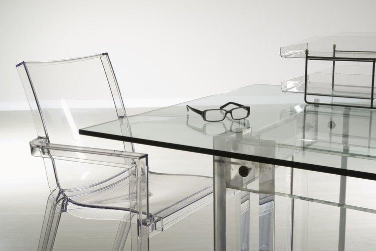 Puedes hacer que todas las superficies de vidrio de tu casa estén limpias y libres de rayas con una solución casera.