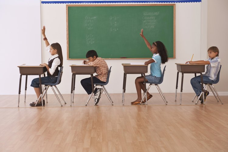 Una organización apropiada de asientos provee un buen ambiente para los alumnos.